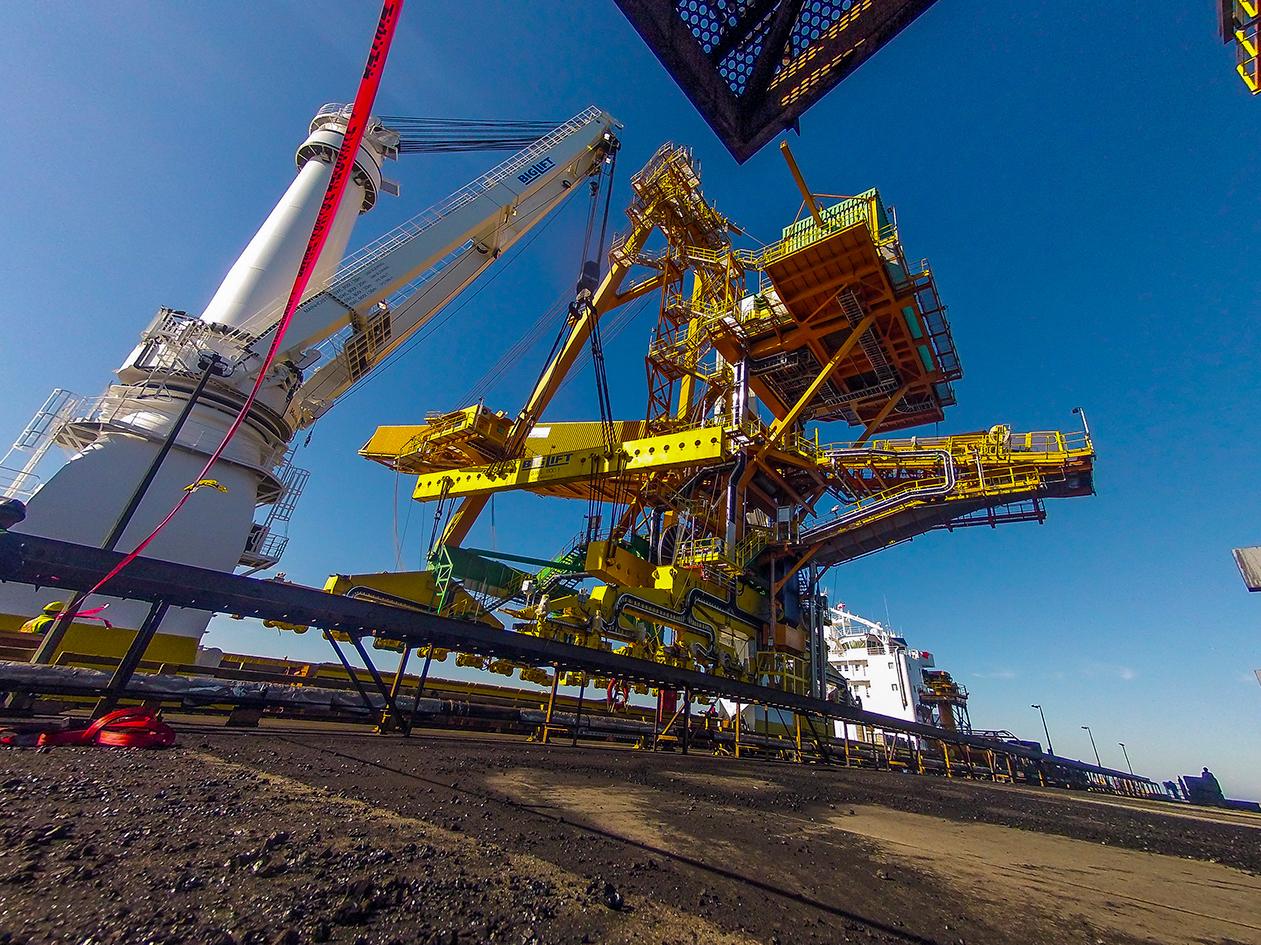 Shiploader_delta BC engineer design shiploader engineering build