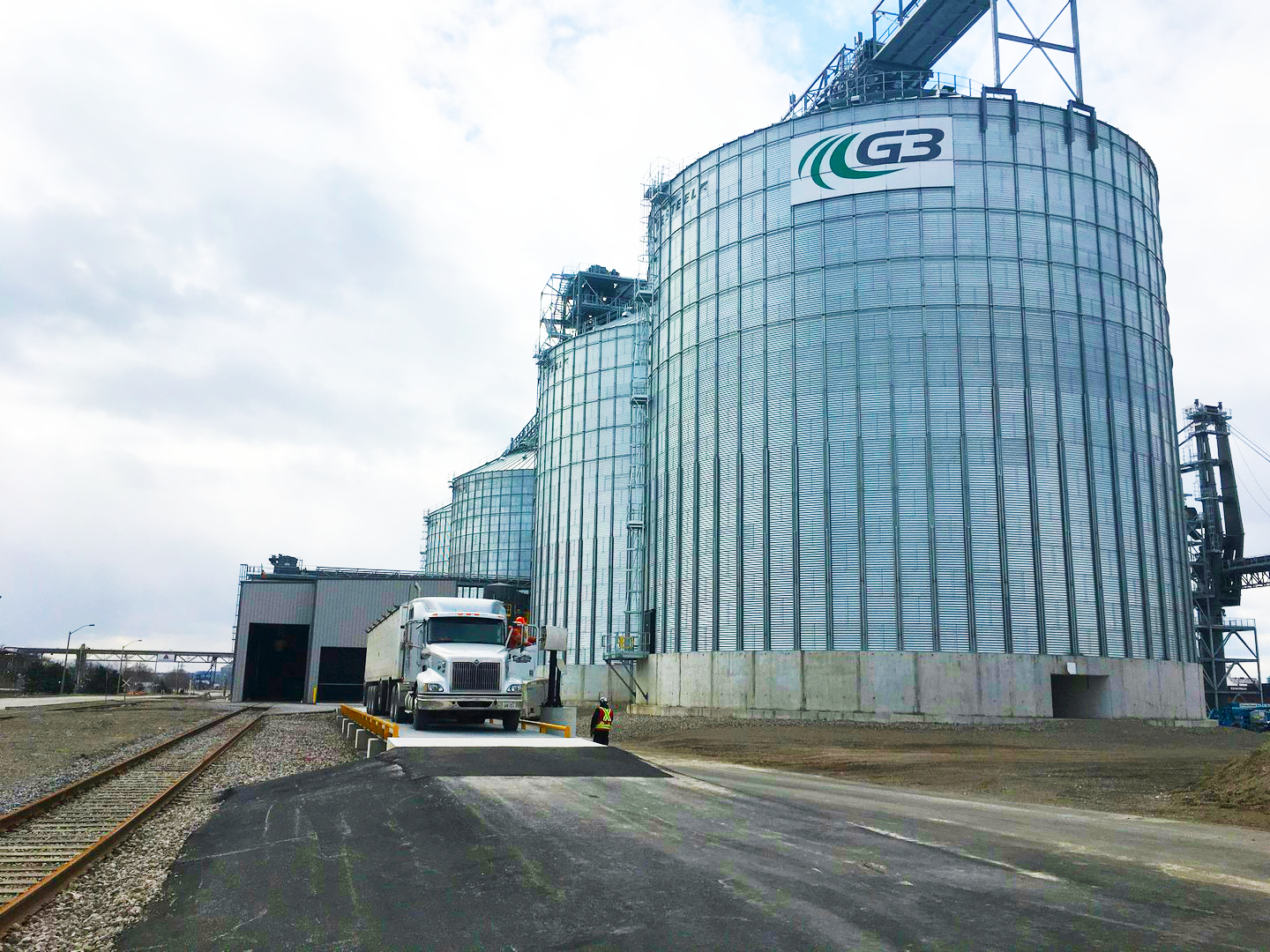 blending hopper bin storage expansion engineering firm agriculture grain storage