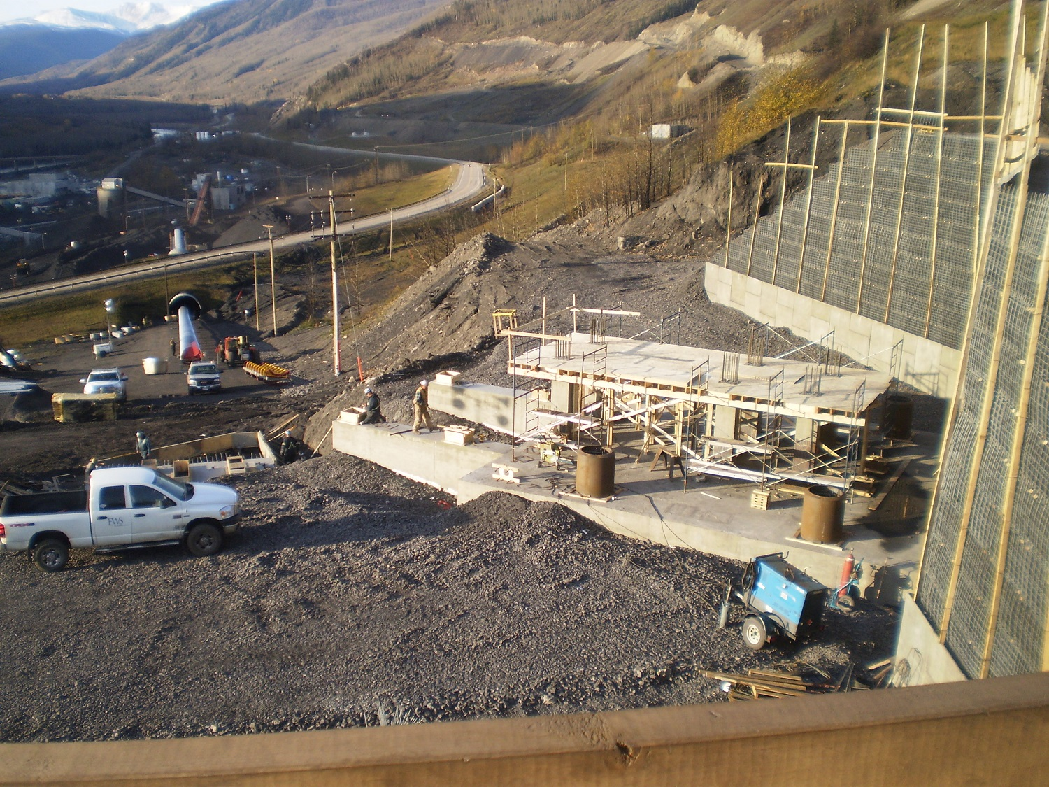 grande Cache primary crusher and coal conveying system Bulk material handling Mining Coal Crusher Steel wing walls