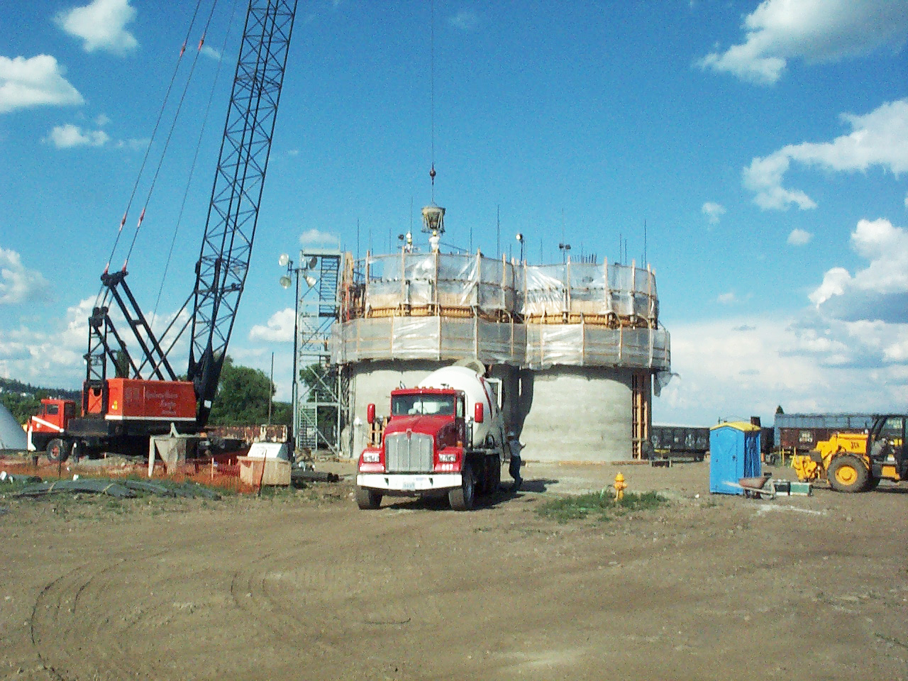 Spokane_1 5650 ton slipform concrete storage structure Ag-industrial Industrial Slipform Rail receiving Truck unload Silo aeration