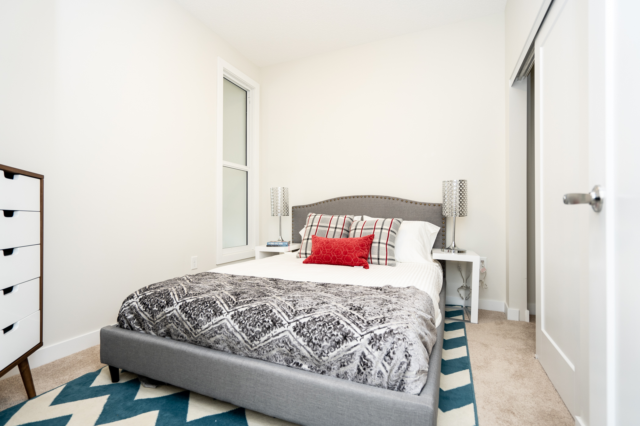 infrastructure winnipegmid-rise apartment residence bed interior